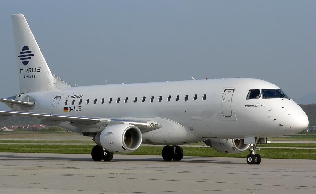 Flying the Cirrus Airlines ERJ170